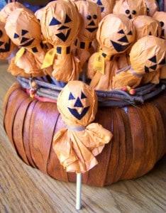 Jack-O-Lantern Lollipops for Halloween Parties