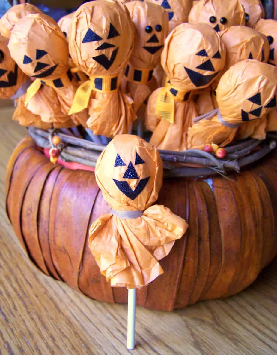 Jack-O-Lantern Lollipops for Halloween Parties