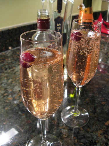 16 New Year's Eve Drinks: Sparkling Bubbly Concoctions