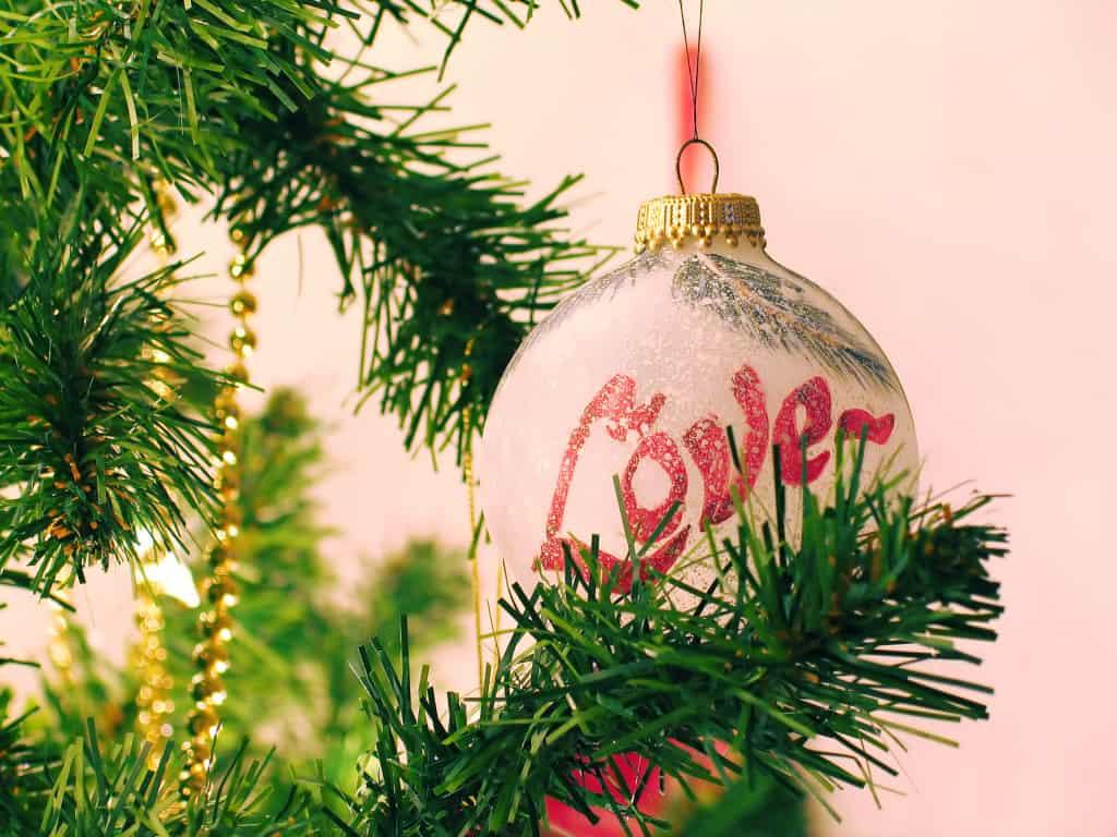 Love ornament pic