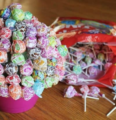 How to make a simple lollipop bouquet