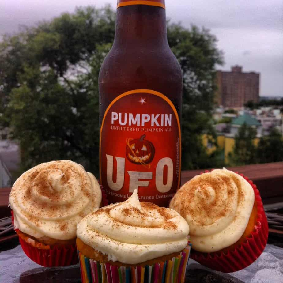 UFO-Pumpkin-Cupcakes