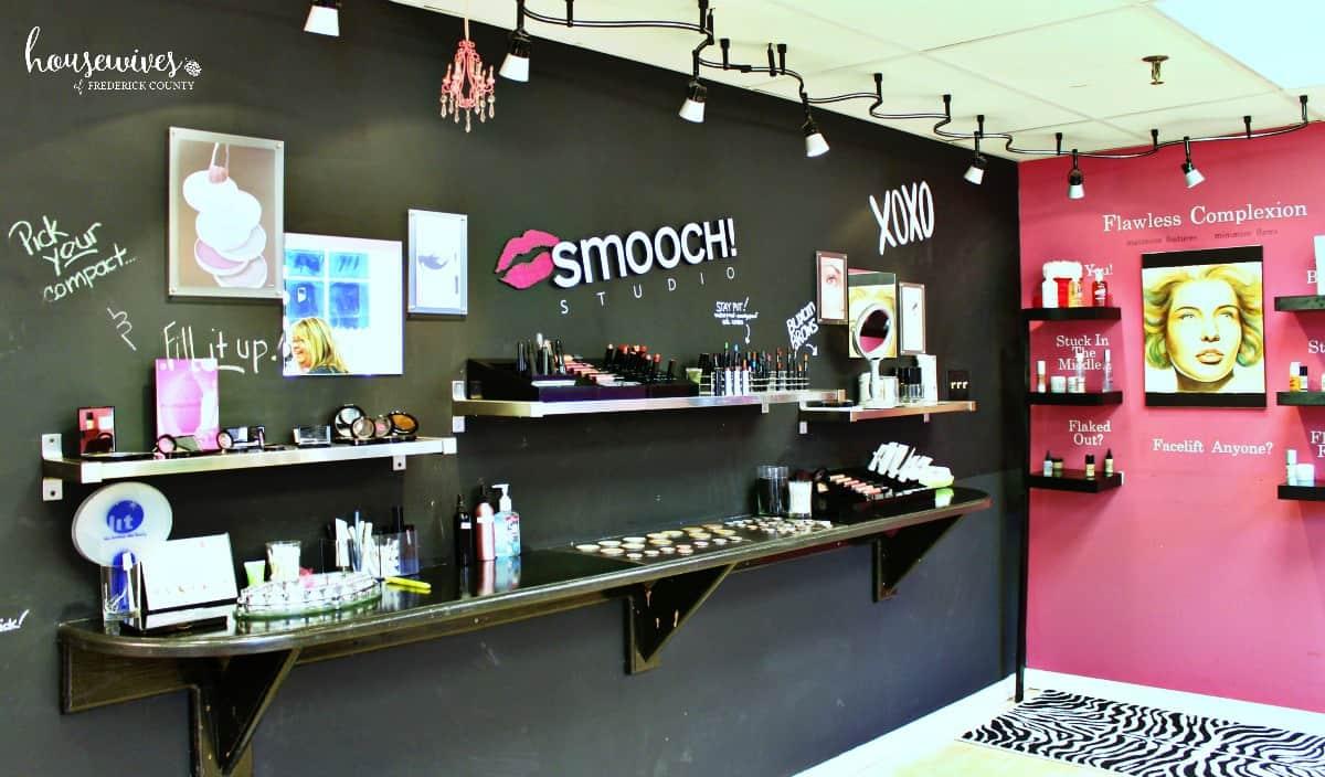 Besides a foundation match, Smooch Studio has a Tester Bar