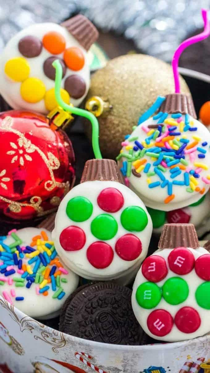 Christmas Oreo Ornament Cookies