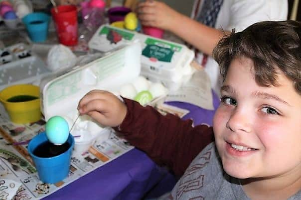Easter Traditions - Dying Easter Eggs