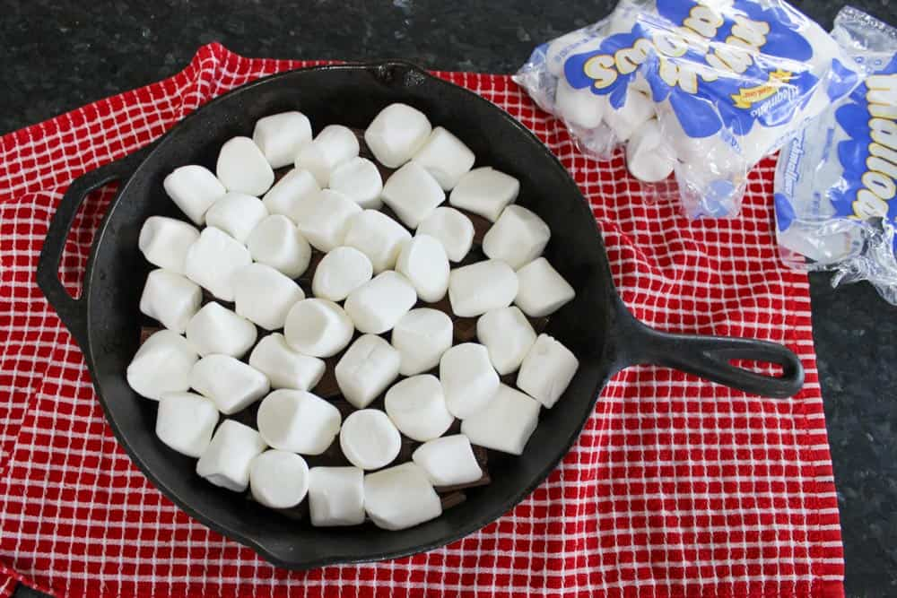 Spread marshmallows in even layer