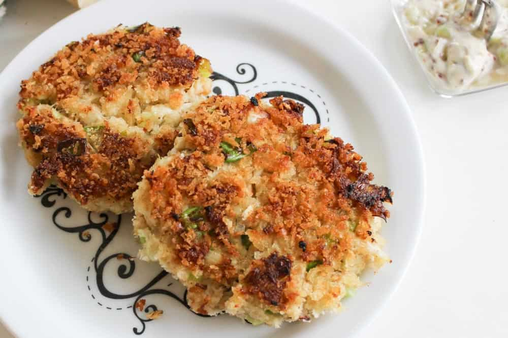 Best Crab Cakes Recipe with Remoulade Sauce