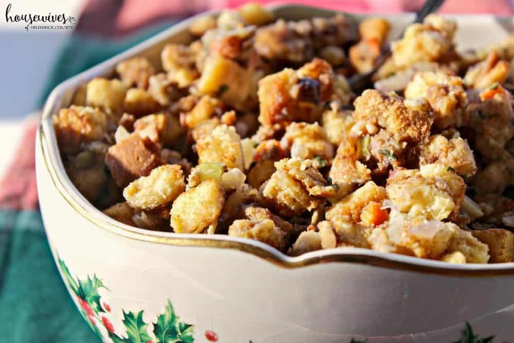 Moist Bread Stuffing Recipe: A Traditional Classic