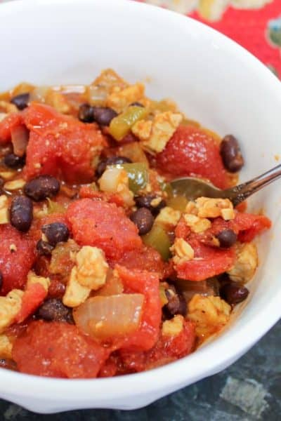 Simple Vegetarian Chili Recipe with Tempeh